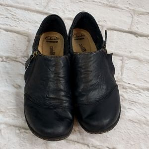 Clarks Black Leather Comfort Shoes zip size 9M